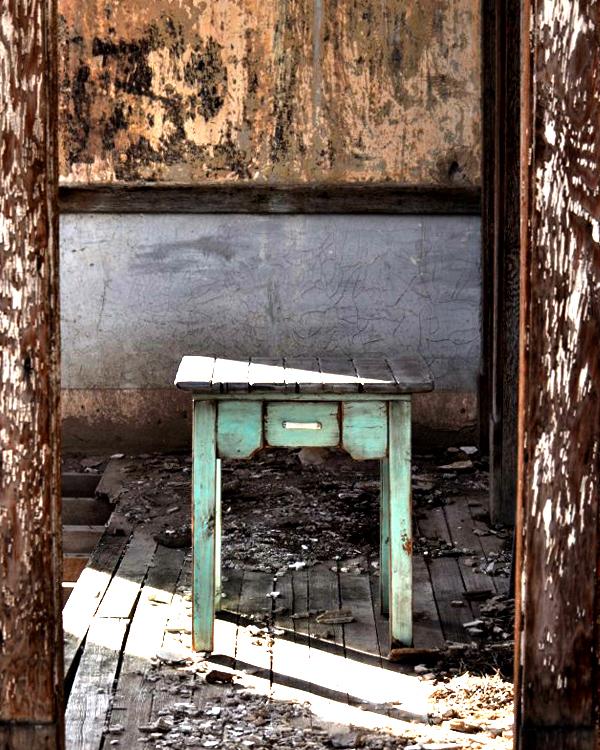 coastal_old house doorway.jpg