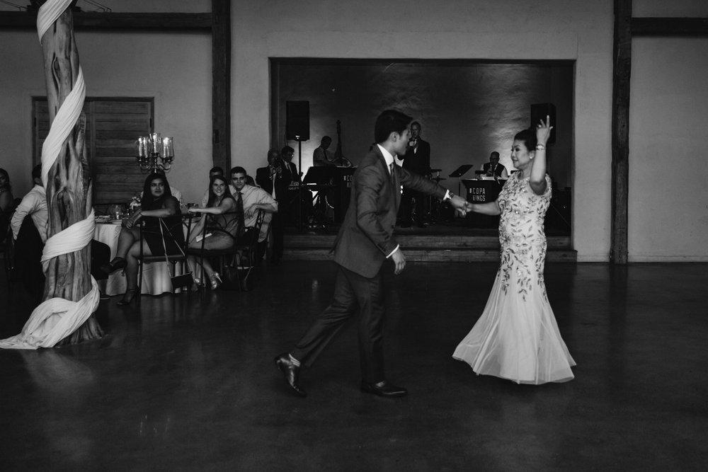 barr-mansion-wedding-mihka-joseph31284.JPG