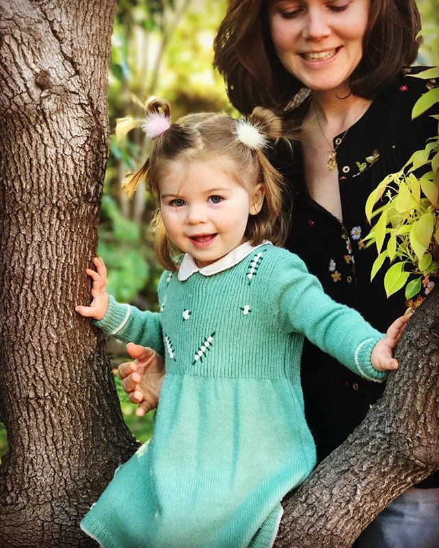 Tree portrait by request (just before she asked mama to move out of the shot) #happyeaster #westcoast  #morninghikeandlunchonthebeach