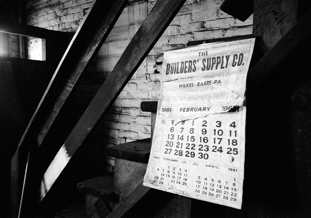 (S)Calendar tin shop13.5x9.jpg