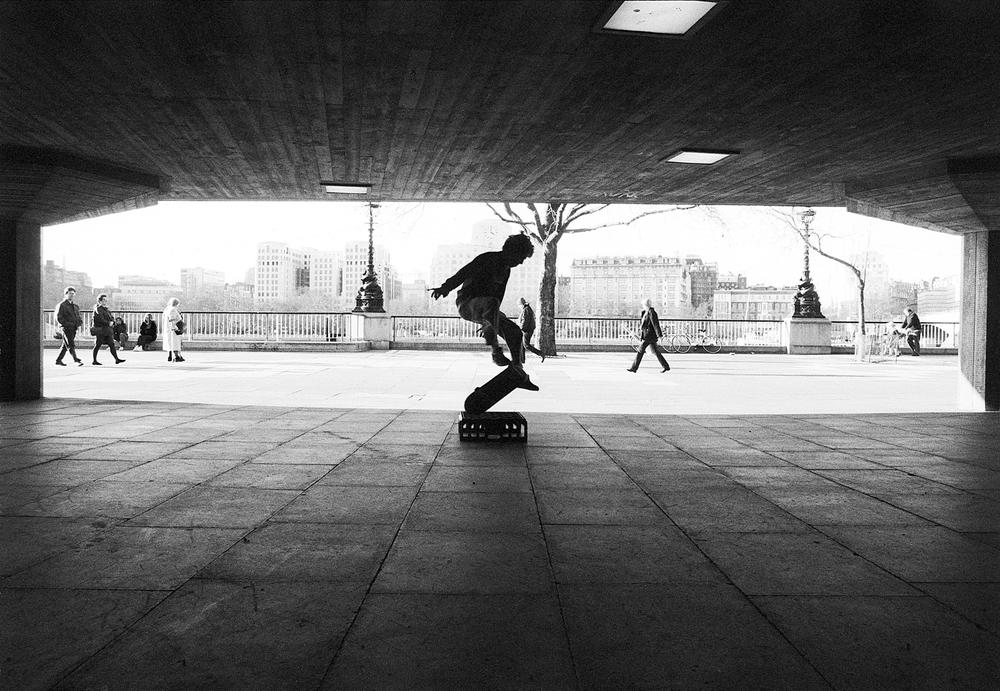 (S)london skateboard13.5x9.jpg