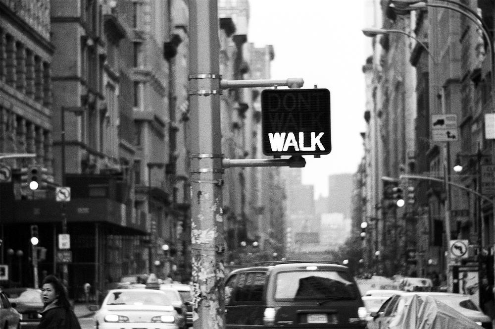 (S)Walk sign nikon13.5x9.5s.jpg