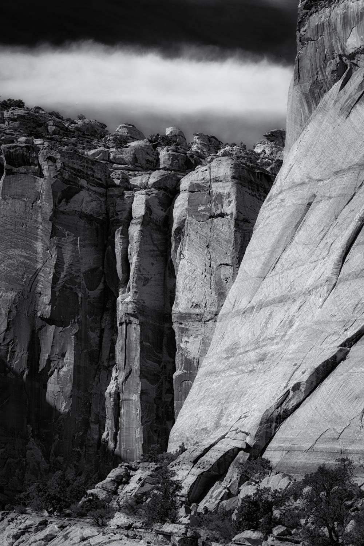 Canyon walls and cirrus.jpg