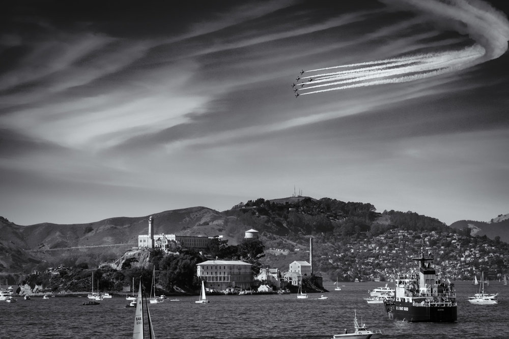 The Breitling Jet Team turns on Alcatraz Island during Fleet Week San Francisco 2016