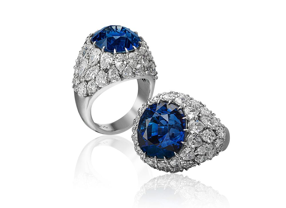 Custom made Ring with Blue Sapphire from Madagascar weighting over 15 carat set in Platinum with 6.50 carats of diamonds