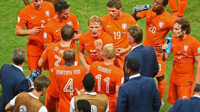 Dirk Kuyt and the Dutch  (  FIFA World Cup  )