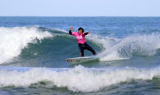 Zhana Hutchieson will be there, reppin' the 'Naki (via Col @ Surf2Surf/Surfing NZ)