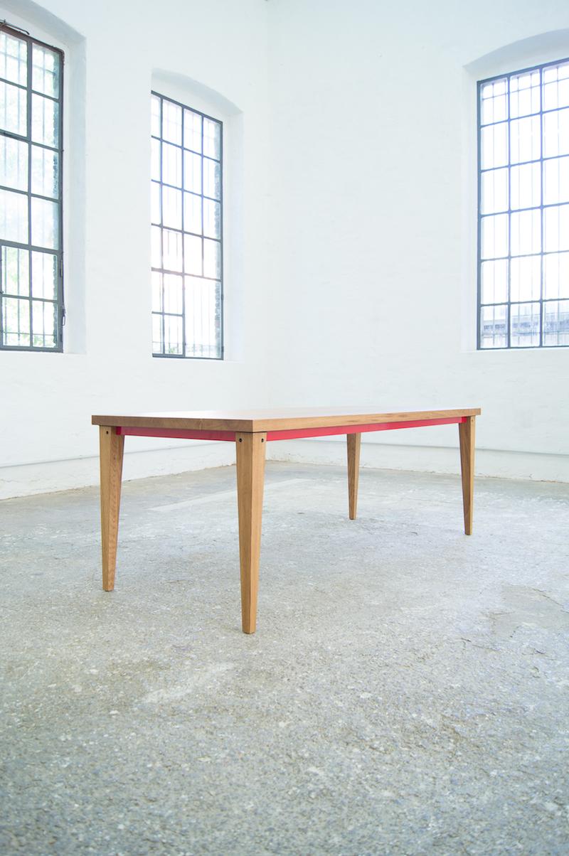 Roter Tisch XS.jpg