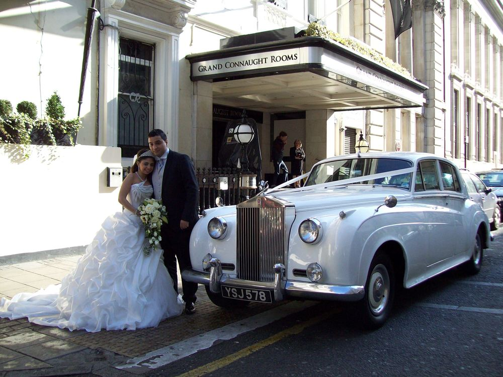 White Rolls Royce Silver Cloud London