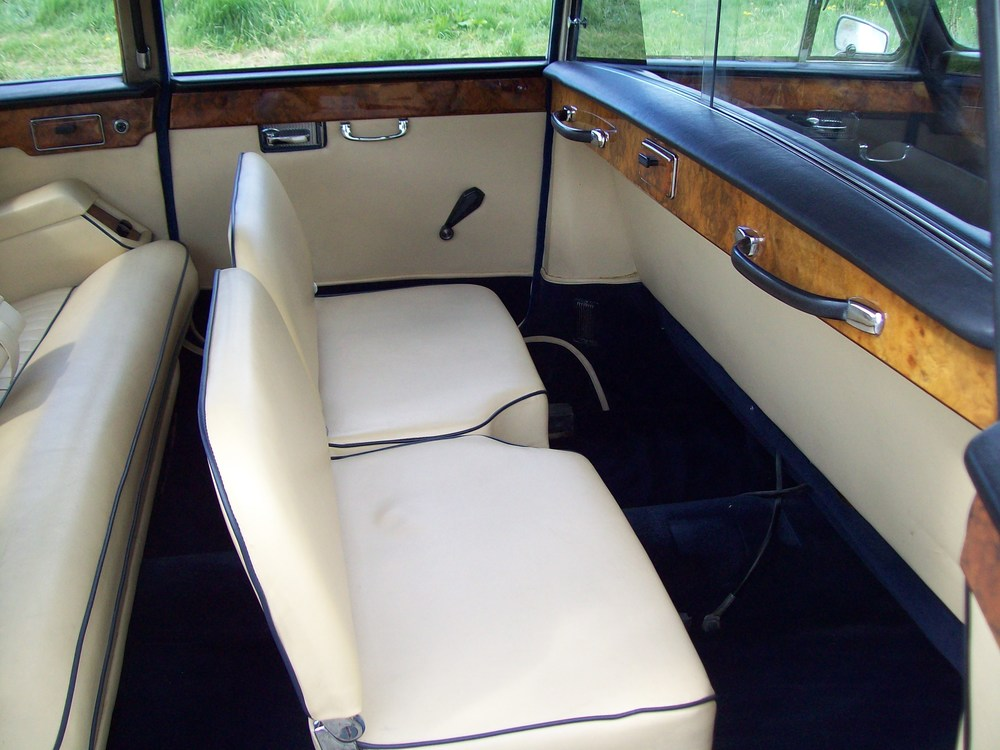 Daimler Limousine Cream Leather