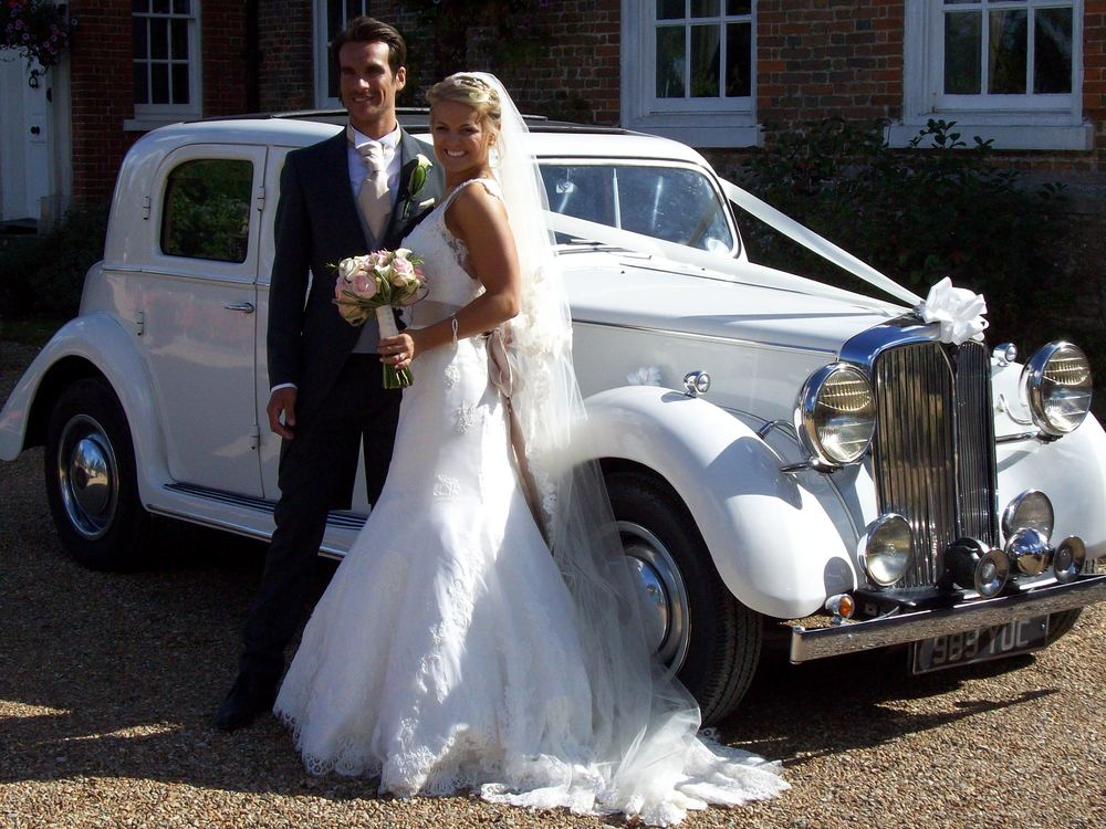 vintage car and bride.JPG