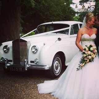 White Rolls Royce Silver Cloud for your wedding. Book now before the January rush. #weddingplanner #weddingideas #weddingskent #kentweddings #weddingcarskent #kentbrides #weddingblog