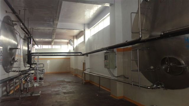 Igloo Dairy : Turbhe. The HMST (Horizontal Milk Storage Tank) room ensures the HMST alcoves are accessed via an aseptic area for cleaning.