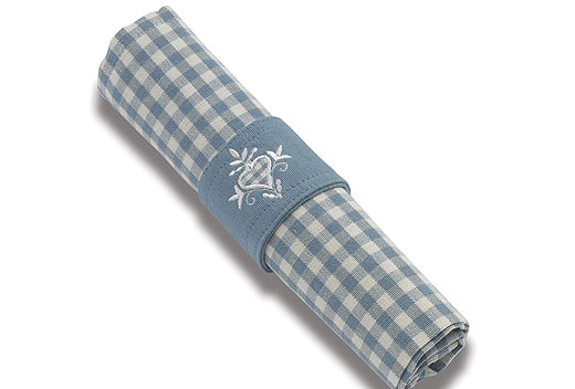 Set of 4 Napkins ( Blue Check Napkins )  €19  Product Code: WAL-AUC16B
