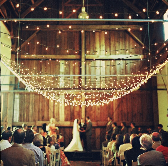 30 Inspirational Rustic Barn Wedding Ideas: Simple Rustic Wedding Inspiration