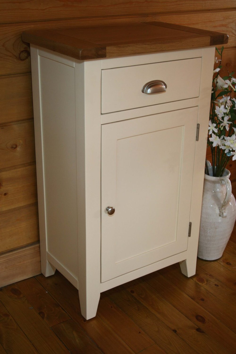 Tall Hall Cabinet Colour-Ivory   w 60 x d 40 x h 100 cm € 430 ( 40% Off - NOW € 258 ) Product Code: CANB063