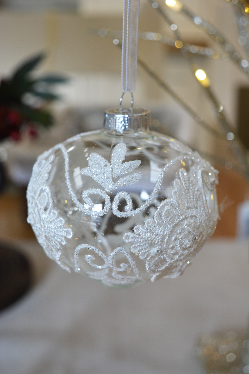 Glass Bauble €3.50