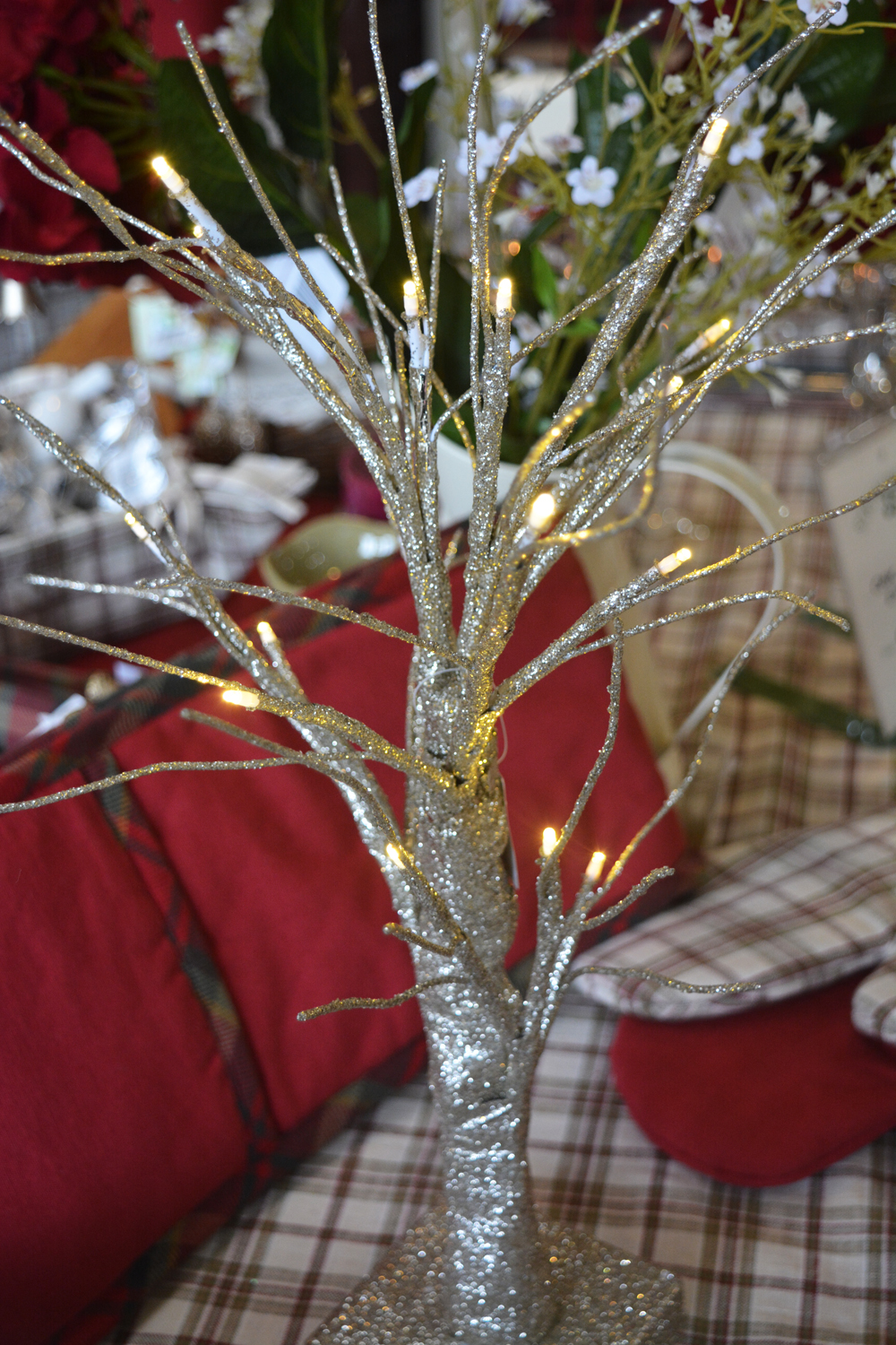 Golden Tree with Lights €29.00