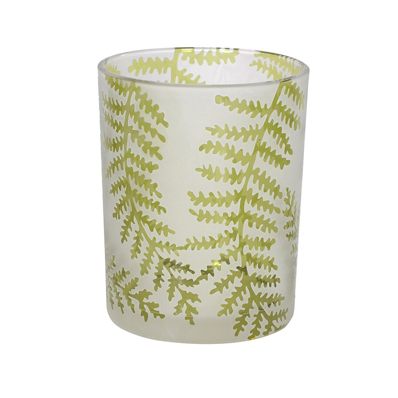Green Fern Leaf Tea Light Holder €9.00 Product Code: CHA1-XLS-287