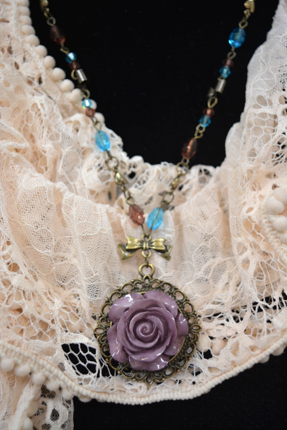 Lavender Rose Pendant Necklace ~ €12.00