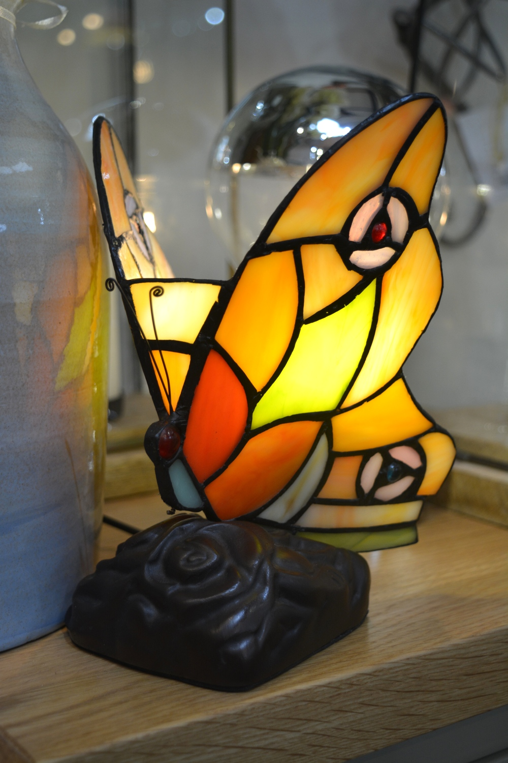 Butterfly Tiffany Lamp €58