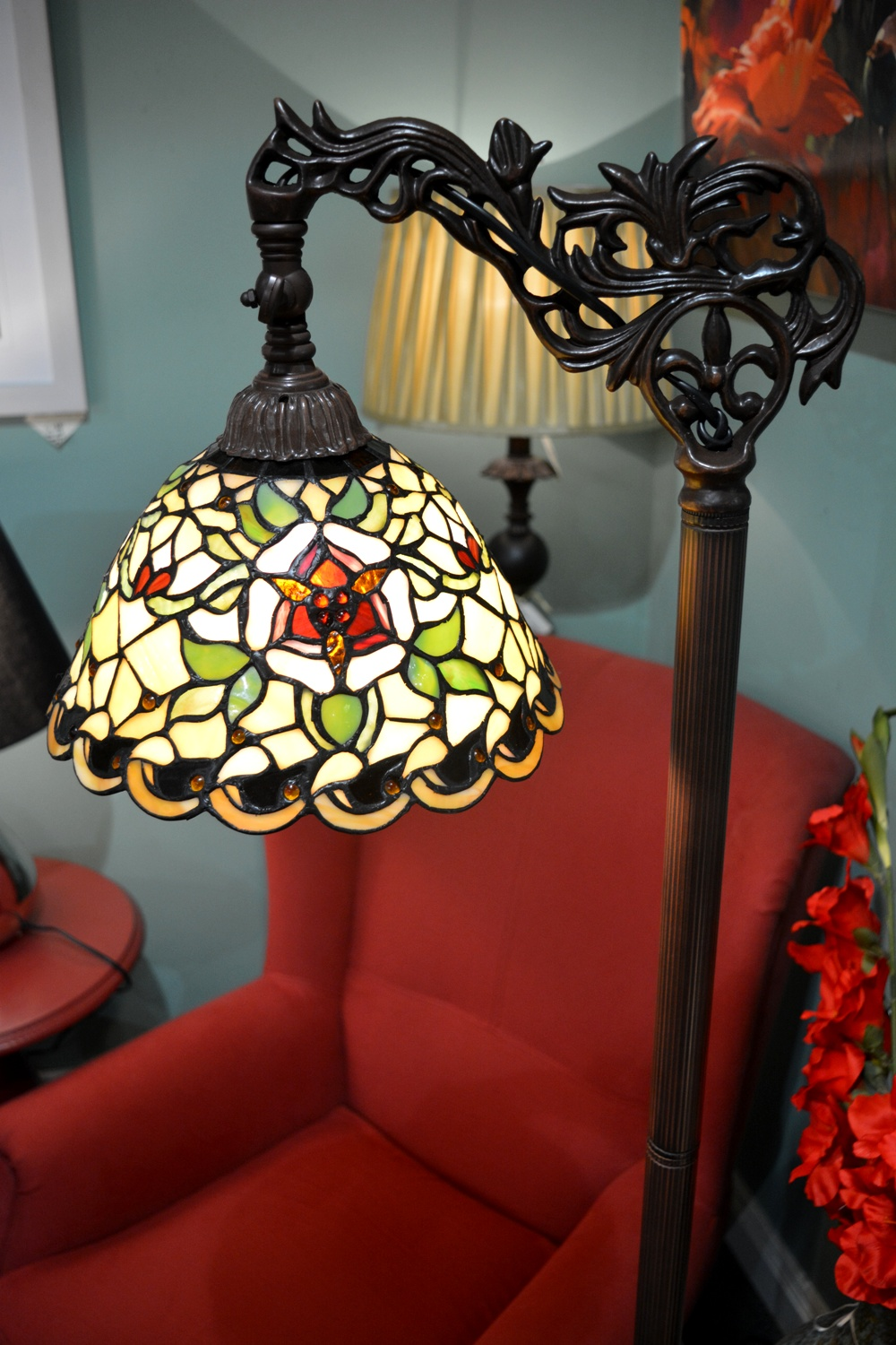 Tiffany Floor Lamp €277