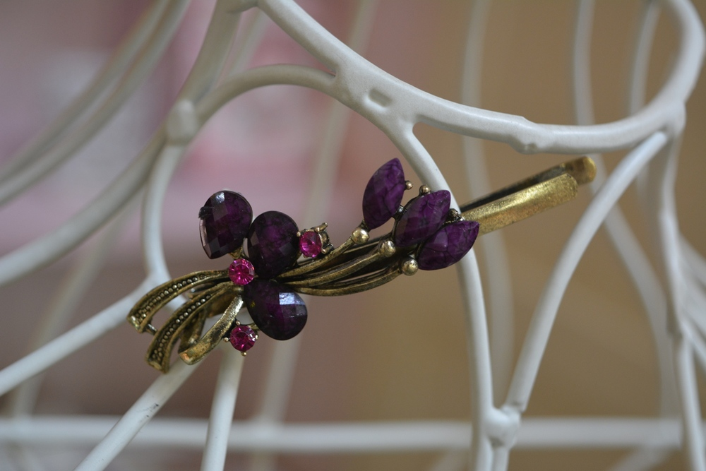 Deep Purple Hair Slide ( €1.90 )