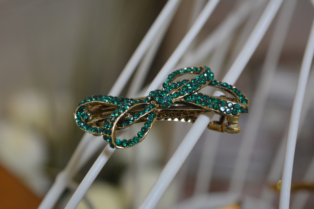 Emerald Green Bow Hair Clip ( €4.90 )