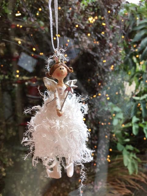 Fluffy White Angel: €5.00