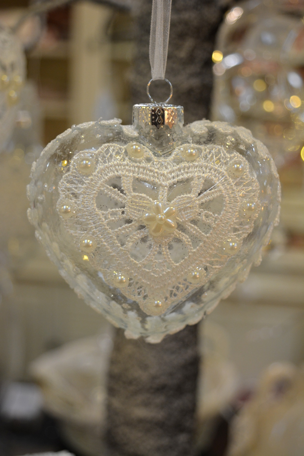 Lace and Glass Heart - €3.50