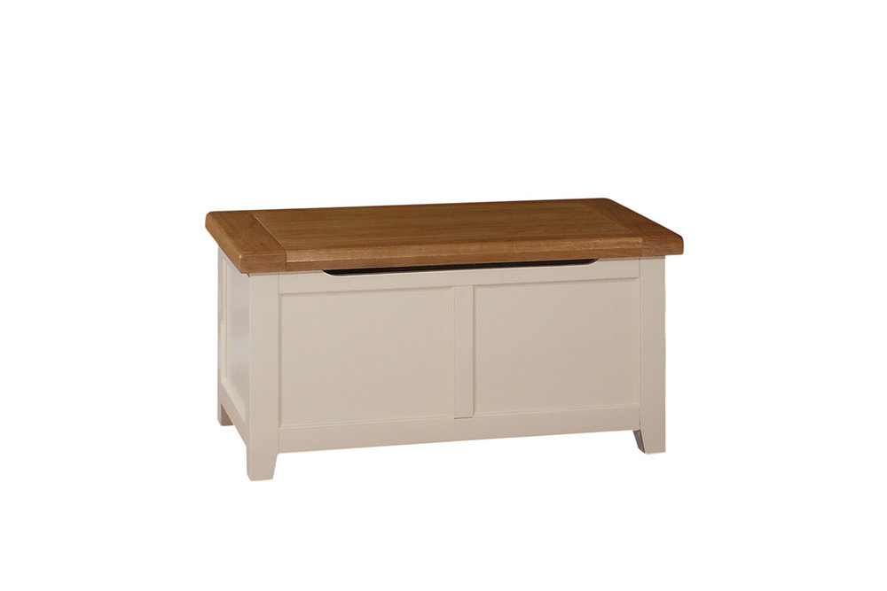 JT028   Blanket/Linen Box   W:1000 x D500 x H:500    €330   Available in Ivory Only