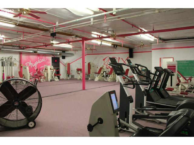 Women's gym on 3rd Floor