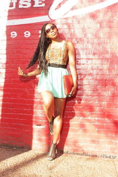 Image:http://www.thekashonnafiles.com/fashion/boldprintsandpastels
