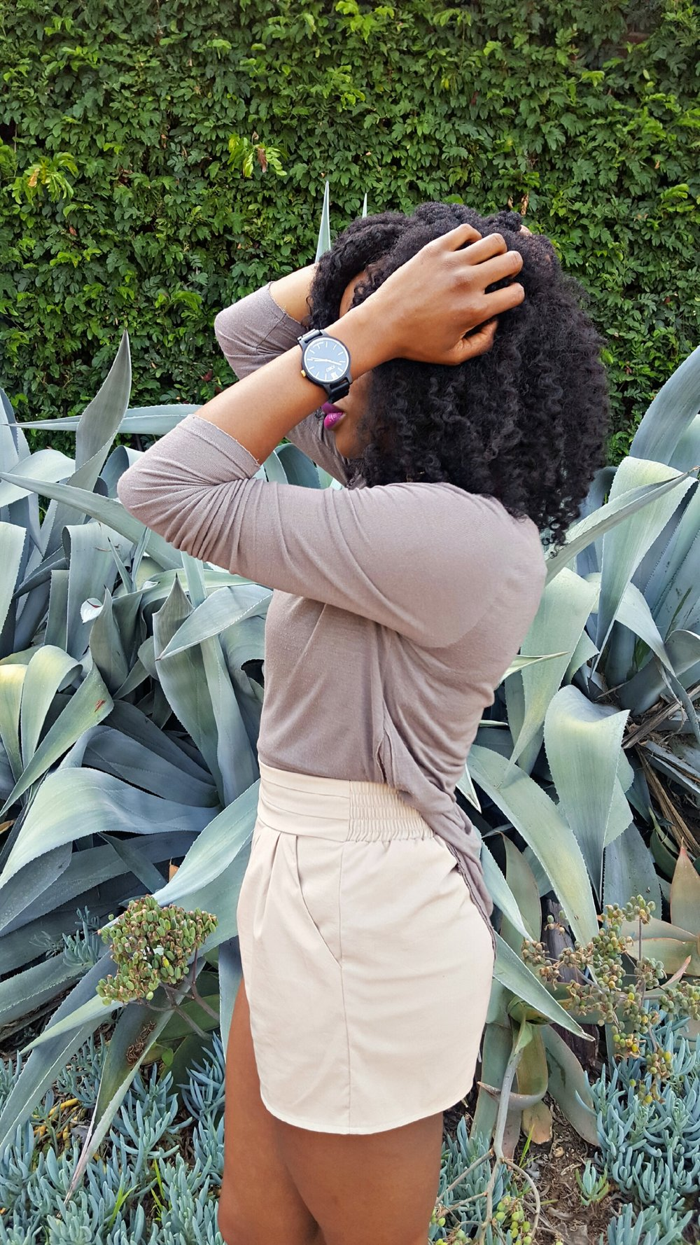 jord-ebony-and-gold-watch.jpg