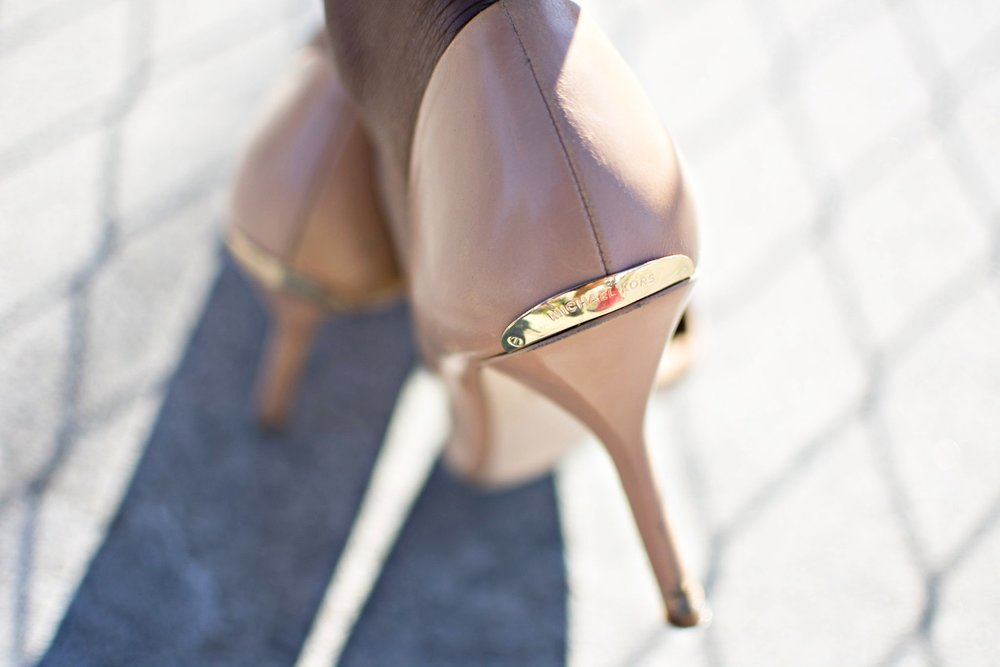 micheal-kors-nude-pumps.jpg