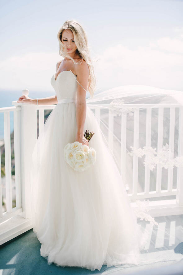 Ivory Lace Tulle Destination Wedding Dress- Lunss.com