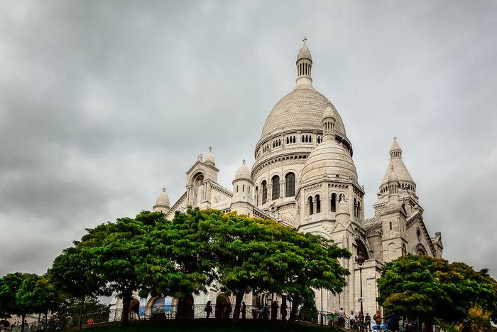 External view of the magnificent Sacre Coeur Basilica, Paris