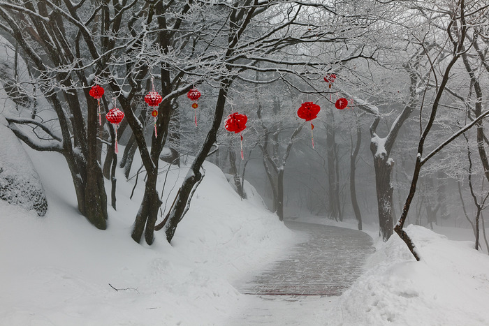 Red decorations on pathway on Huangshan or Yellow Mountain, China