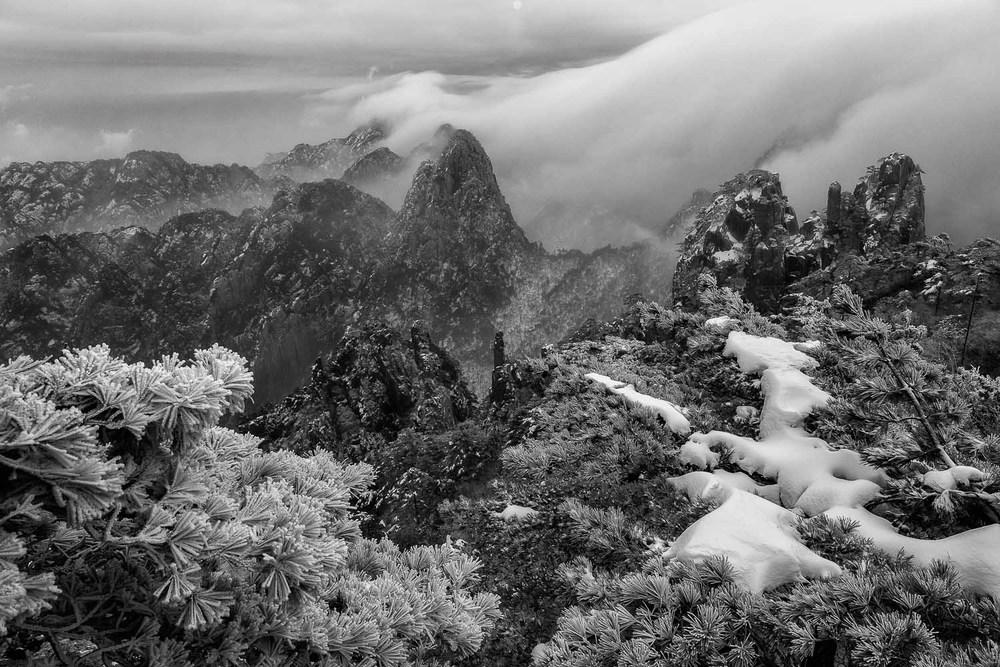clearing-mist-huangshan-china.jpg
