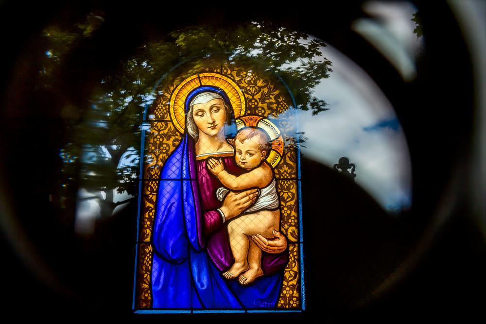 Madonna and Child, Père Lachaise Cemetery, Paris, France
