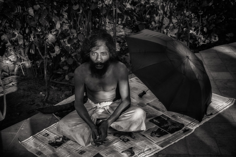 Resting Yogi, Kolkata, India Exposure: Canon 5D Mark II camera and Canon 24-105mm f4 L series lens @ 47mm. ISO 400, 1/50 sec @ f5.6
