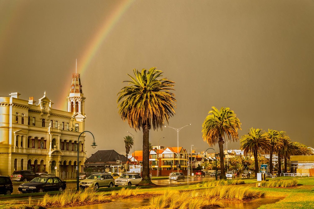 Rainbow, Middle Park, Melbourne Exposure: Nikon D800e camera and Nikon 24-120mm f4 lens @ 46mm, 1/60 second @ f5.6 ISO 400.