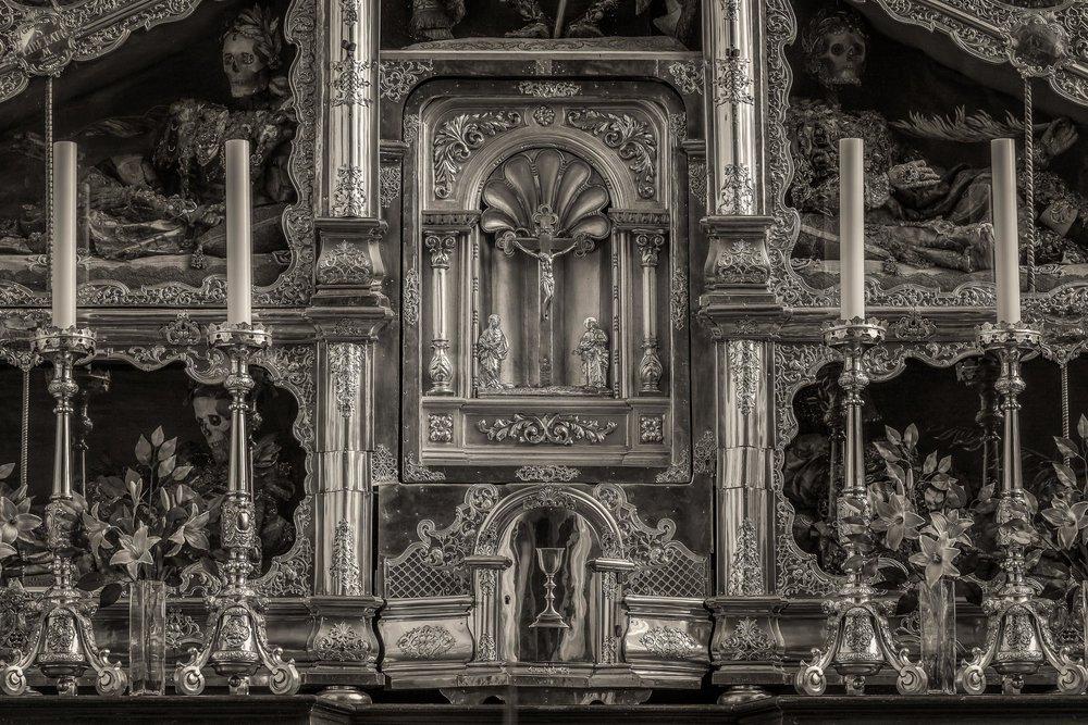 A  luminous photo  of a  tabernacle  in a  Catholic Church in Austria .