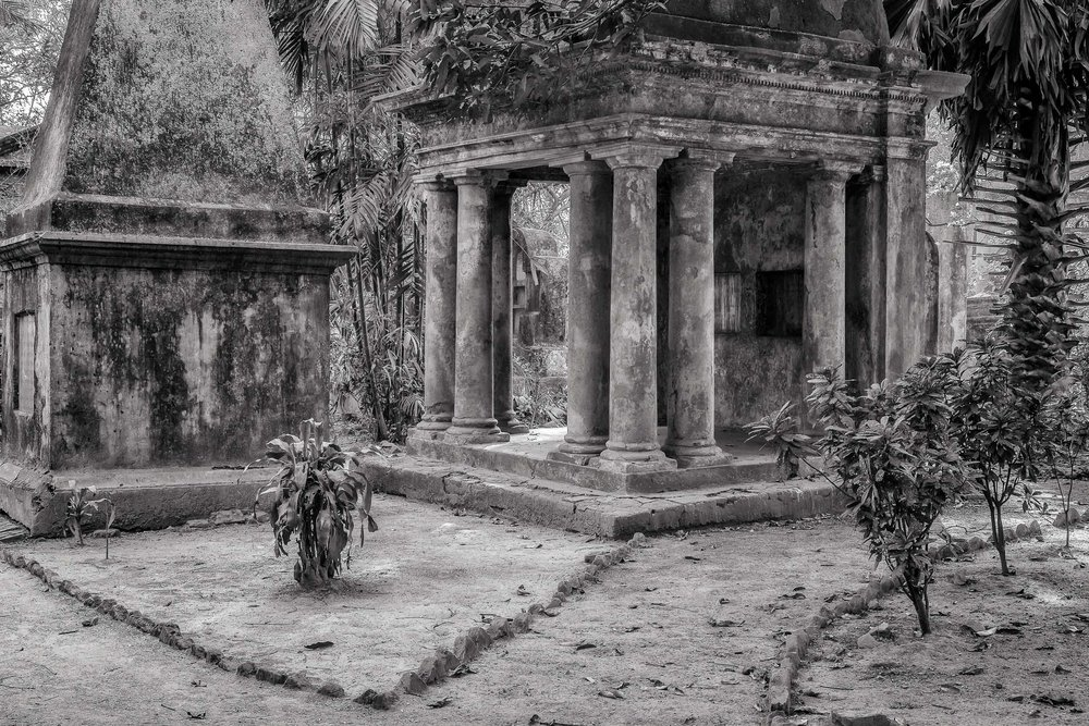 Pavillion, South Park Street Cemetery, Kolkata, India