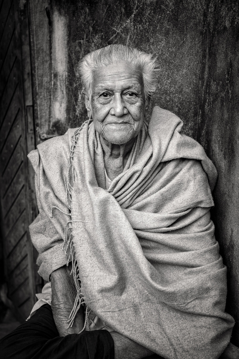 A    dignified    black and white    portait    of a gentle soul in    Kolkata, India
