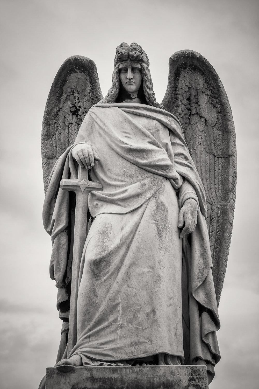 angel-michael-melbourne-cemetery-australia.jpg