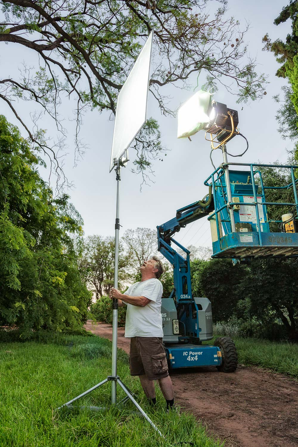Lighting director,    Colin (Willy) Williams   , on the set of the Australian motion picture film,    Summer Coda   , in    Buronga, NSW   .