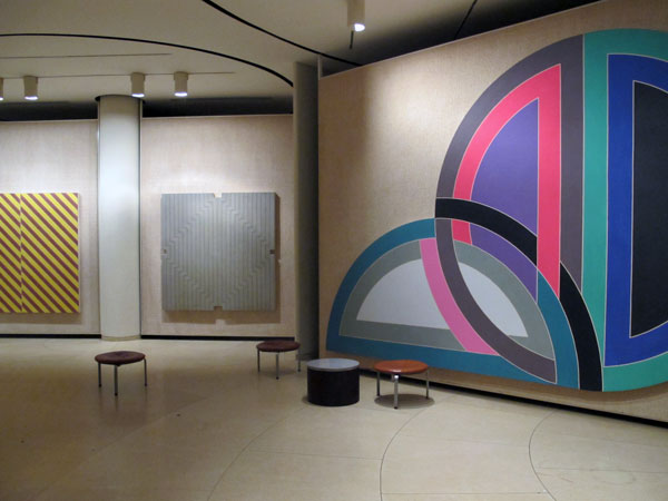 Phillip-Johnson-Glass-House-Frank-Stella-Art