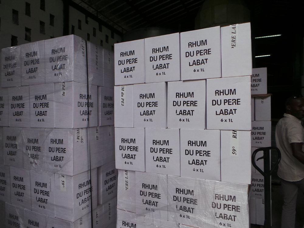 Marie-Galant-Rhum-de-Pere-Labat-Cases.jpg