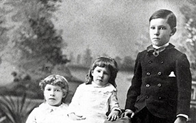 Franklin Avery's children: Ethel, Mettie, Edgar, ca. 1887